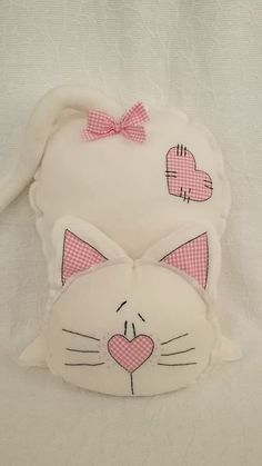 Sewing Toys, Baby Sewing, Sewing Crafts, Sewing Projects, Diy Cat Toys, Fabric Toys, Fabric Crafts, Sewing Stuffed Animals, Fabric Animals