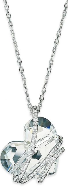 What a pretty crystal heart necklace. Love it! ...pinned by ♥ wootandhammy.com, thoughtful jewelry.