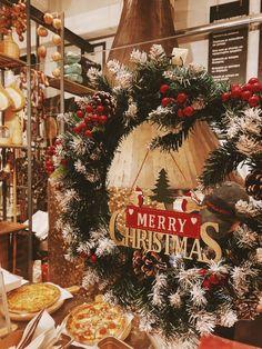 3 days until Christmas!!!🎄✨🌟 #handmade_happiness #Λευκός_Πύργος #famigliano #ourplace #myfamigliano #thessaloniki #skg #thessalonikifood #skgfood #ρεβεγιόν #xmasmenu #christmasmenu #merrychristmas #happyholidays #familymoments #christmas2020 Thessaloniki, Christmas Wreaths, Merry, Happiness, Holiday Decor, Handmade, Home Decor, Hand Made, Decoration Home
