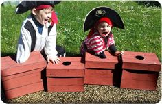 Activities and games for a pirate party (Part - In the land of Candice Pirate Day, Pirate Birthday, Pirate Theme, Pirate Games, Childrens Party, Birthday Party Themes, Diy For Kids, Activities For Kids, Halloween