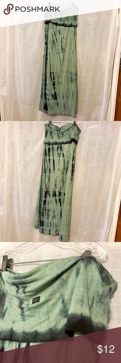 BILLABONG TYEDYE MAXI SKIRT Billabong maxi skirt In green fold down waist Billabong Skirts Maxi