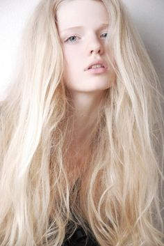 incredible white blonde hair This would look great for me with my fair skin tone