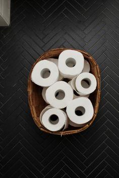 Black bathroom - Mustat kylpyhuoneet #remontti #kokonaispalvelu #kylpyhuoneremontti