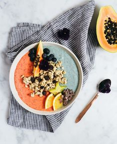 Smoothie Bowl Pinned to Nutrition Stripped Smoothie Juice click now for more info. Fruit Smoothies, Healthy Smoothies, Smoothie Recipes, Healthy Snacks, Healthy Recipes, Juice Recipes, Breakfast Bowls, Breakfast Healthy, Aesthetic Food