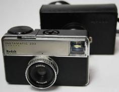 Vintage Camera Kodak Instamatic 233 Retro With Orginal Etui