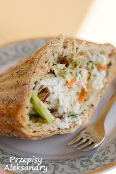 Przepisy Aleksandry: Kebab House~ chicken breast, fresh veggies, sauce, and spices. (may need to translate). Polish Recipes, Polish Food, Tortilla, Wrap Sandwiches, Chicken Recipes, Good Food, Food And Drink, Veggies, Meals