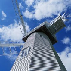 The beautiful Chailey Windmill today in the sun.. #windmill #architecture #sky #clouds #heritage #countryside #countrywalk #bright #contrast #bluesky #cloudscape #wind #chailey #chaileycommon #nationaltrust #nature #vibrant #sussex #england #beautyspot #fluffyclouds #farm #agriculture