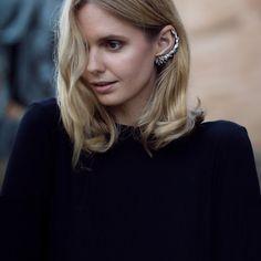 Première astuce pour porter le bijou d'oreille : rester simple