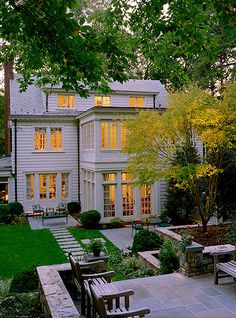 Exterior: White  Cream Color
