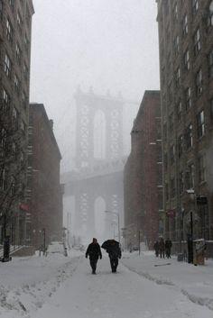 Snowzilla: H επόμενη μέρα στην παγωμένη Νέα Υόρκη Other Countries, Brooklyn Bridge, New York City, Costa, Washington, Snow, Country, World, Places