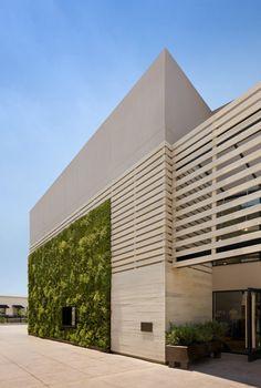 ANTHROPOLOGIE HUNTSVILLE / EOA / ELMSLIE OSLER ARCHITECT