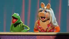 Kermit got swine flu from Miss Piggy! Kermit And Miss Piggy, Kermit The Frog, Jim Henson, Pig Images, Comedy, This Little Piggy, Cartoon Characters, Fictional Characters, Just For Fun
