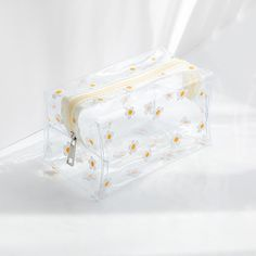 These lovely pencil case👝 can be used for school and also for your cosmetics. It provides plenty of space for you to bring to school enough amount or some extra stationery✏📏🖋. Features Transparent case for you to locate your beloved stationery. Available in 10 patterns. Smart and colorful zipper design. Light-weighted pencil case material is used, it won't add any loading to your bag🏋️♀️. If you need a transparent pencil pouch for example too, it is your choice! Specifications Size: L180 x Big Pencil Cases, Clear Pencil Case, Cute Pencil Pouches, Cute Pencil Case, Pencil Bags, Stationary School, School Stationery, Cute Stationery, Stationery Items