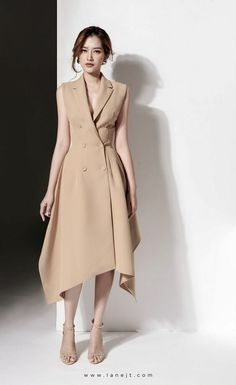 Simple Dresses, Day Dresses, Elegant Dresses, Dress Outfits, Fashion Dresses, Dresses For Work, Classy Dress, Classy Outfits, Coat Dress