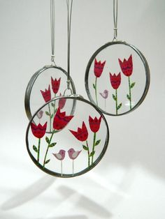 Unique glass necklace with tulips and birds  www.lintu-nakit.si