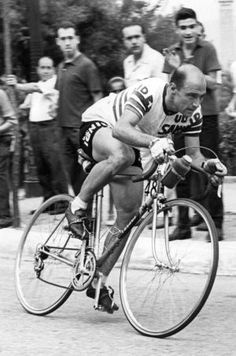 Miguel Pobley was the first Spanish cyclist to wear yellow jersey dies at 85