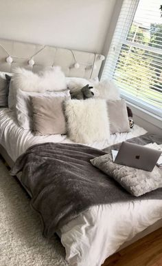 Unique Dorm Decor You Can Actually Afford. Unique Dorm Decor You Can Actually Afford. Unique dorm decor ideas are essential for creating the best dorm room possible! Here are a few unique ideas for you to use in your dorm room today! Room Ideas Bedroom, Bedroom Inspo, Girls Bedroom, Master Bedroom, White Bedroom, Bedroom Designs, Bedroom With Couch, Ikea Girls Room, Marble Bedroom