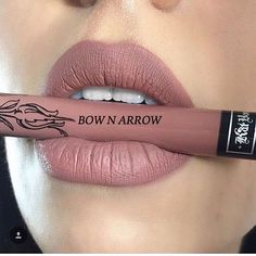Lipstik KatVonD ! Code Bow n arrow warna kegilaan orang ramai tau. Harga RM20 tak termasuk pos. Esok postage macam biasa ye. . . . Kindly whatsapp us +60193435748 for purchase ! First come first serve basis  . . .  #lipstik #lipstikmatte #lipstikmurah #nude #bownarrow #katvond #katvondlolita #katvondbeauty #katvondliquidlipstick #beauty #cosmetics
