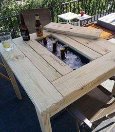 _ _ Mesa pronta.... Aguardando a costela assar e começar a #churrascada _ _ Alguém topa? _ _ _ #tcherveja #cerveja #cervejaartesanal #cervejaespecial #cervejada #churras #churrasco #bbq #bbqbrasil #bebida #chopp #choppgelado #mesademadeira #madeiradedemolicao #instacerveja #instabeer #cerveza #craftbeer #craftpornbeer #instacerveza #chopperia #cervejaria #sabado #instachurras #instabbqbrasil #mesadecerveja #cervejeira #baldedecerveja #picanha