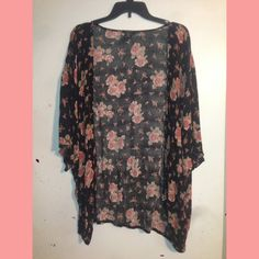 Plus size rose printed cardigan Very cute and light weight! Size fits 2x/3x Deb Sweaters Cardigans