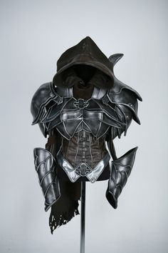 Diablo III: Demon Hunter Cosplay