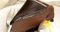 Και σκεφτόταν ο Θεός: τι λείπει από το cheesecake; Μπίνγκο! Ο Μανώλης Συρίγος φτιάχνει τη «συνταγή του Θεού» και επικαλύπτει το cheesecake με μους σοκολάτας για μια πρωτότυπη γεύση. ΥΛΙΚΑ Για την...