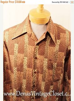 Vintage 70s Triumph Polyester Disco Men's Hipster Shirt Tan Abstract Design Floratl Design SZ M