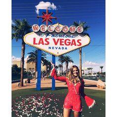 """""""Welcome!!!! Tô surtando de amores por Las Vegas! e pelo meu macaquinho @missmissesmodas também ❤️ TUDO NO SNAP gabilopescombr"""""""