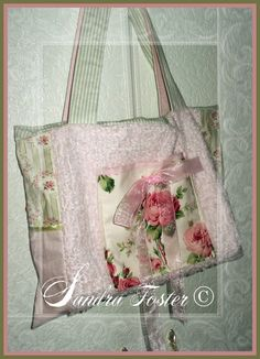 Lavendula Loveliness: Hand bag with multi pockets in pinks n greens. Stitched by Sandra Foster.
