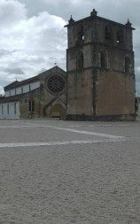 Some quilometres away from the Convent of Christ, you can visit the beautiful Santa Maria do Olival church.