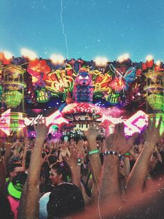TAKE ME BACK :,( #edm #insomniacevents #wonderland