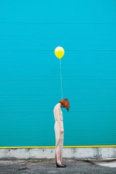 Colour Game is a photography project shared by Jovana Rikalo exploring the contrast of colors with a surreal feel captured in beautiful photos. Minimal Photography, Conceptual Photography, Creative Photography, Fine Art Photography, Portrait Photography, Fashion Photography, Colourful Photography, Surrealism Photography, Kreative Portraits