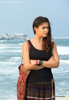 Hot Scene with Sexy Girls Visit to watch South Actress, South Indian Actress, Beautiful Indian Actress, Beautiful Actresses, Girl Photo Poses, Girl Poses, Hot Actresses, Indian Actresses, Nayanthara Hairstyle