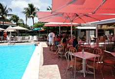 Grab lunch or a smoothie at Oasis Pool Bar, Tween Waters Inn, Captiva.