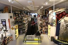 Lose Yourself in the Largest Star Wars Collection Ever [MEGA GALLERY]