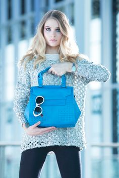 Vélez for Leather Lovers Hermes Kelly, Quito, Leather, Bags, Lovers, Chic, Over Knee Socks, Colors, Blue Prints