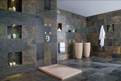 ardoise et salle de bain carrelée par Porcelanosa