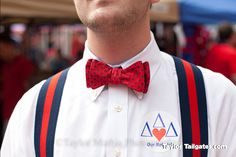 TaylorTailgates.com documents The Grove at its best. Hotty Toddy!