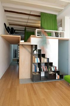 loft bed design ideas add extra space to small bedrooms 8 Tiny House Stairs, Loft Stairs, Tiny House Living, Tiny Loft, Small Loft, Mezzanine Bedroom, Bedroom Loft, Mezzanine Floor, Light Bedroom