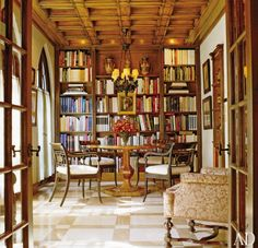 Traditional Dining Room by Solís Betancourt and Richard Williams Architects in Washington, D.C.