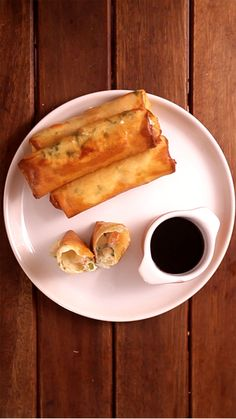 Learn what are Chinese Food Appetizer Shrimp Spring Rolls, Shrimp Rolls, Seafood Dishes, Seafood Recipes, Dinner Recipes, Fried Sushi, Easy Cooking, Cooking Recipes, Meat Loaf Recipe Easy