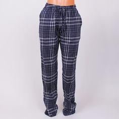 Мъжка  пижама - панталон изработена от мека памучна материя в тъмносиньо и  бяло каре. a606050fc4f80