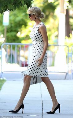 http://www.dailymail.co.uk/femail/article-4488590/Ivanka-Trump-heads-polka-dots-military-event.html