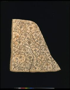 1600, United Kingdom - Hood - Linen, embroidered with silk, with bobbin lace trimming