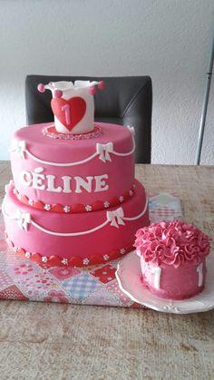 Meisjes taart met smasch cake