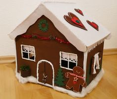 http://kartenmitherz.blogspot.it/2012/11/adventskalender-lebkuchenhaus.html