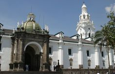 Cuenca is located in southern Ecuador, a little bit towards the east. It is an old city with a rich history and a lot of old architecture. It's no surprise it's a UNESCO World Heritage site, with the impressive Calderon Cathedral in the central square.