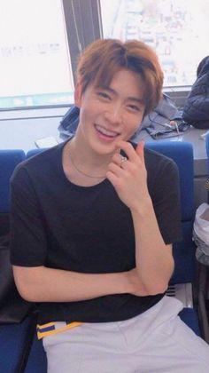 Blackbangtan X Exovelvet Shipper ! Nct 127, Jaehyun Nct, Winwin, Memes Chinos, Valentines For Boys, Jung Jaehyun, Nct Taeyong, Na Jaemin, Entertainment