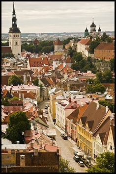 Aerial view of Olde Town, Tallinn, Estonia Cool Places To Visit, Places To Travel, Baltic Sea Cruise, Travel Around The World, Around The Worlds, Baltic Region, Italy Images, Eastern Europe, Landscape Photos