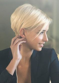 < Previous          Next> Long layers characterize this trendy short haircut.